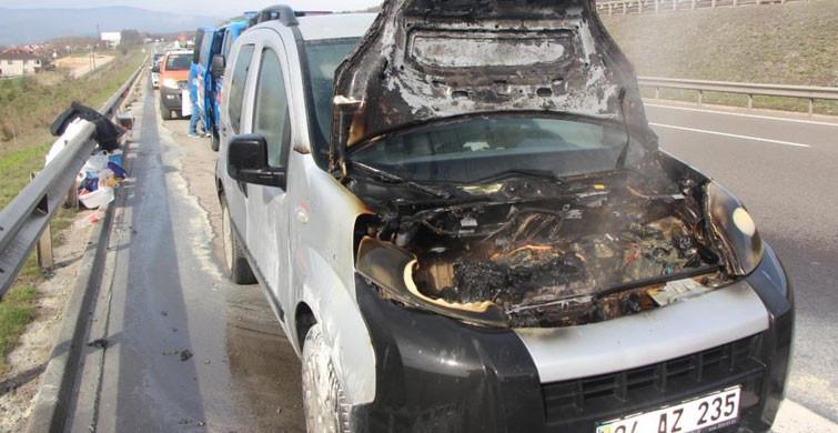 Bolu'da Motor Kısmı Yanan Araç Kullanılamaz Hale Geldi