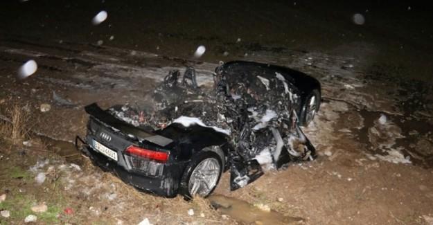 Bu Arabadan Ölmeden Çıktılar