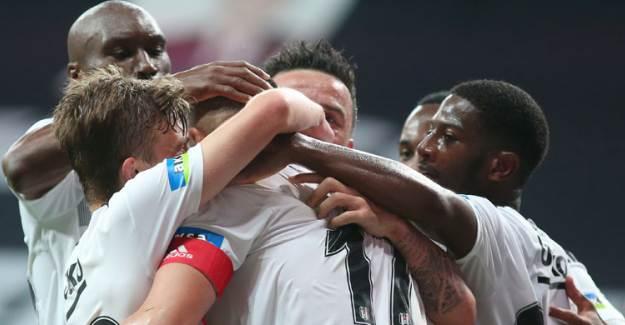 Bu Futbolcu Beşiktaş'ı En Az 10 Sene Götürür