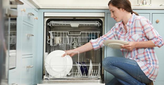 Bulaşık Makinenizi Temizlerken Yapmanız Gerekenler