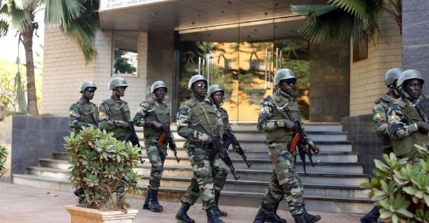 Burkina Faso'daki Saldırıda 7 Asker ve 35 Sivil Yaşamını Yitirdi