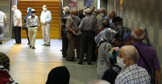 Bursa'da 65 Yaş Üstüne Ücretsiz Ulaşım Kaldırıldı