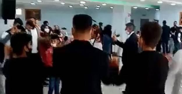 Bursa'da Düğün Salonunda Koronavirüs Kurallara Uymayanlara Ceza
