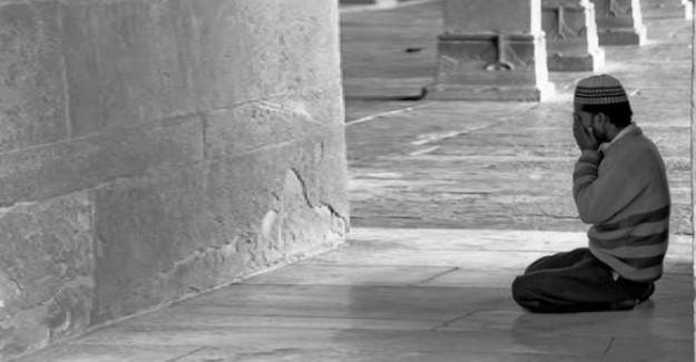 Bütün Kapıları Açan En Büyük Tevbe Duası