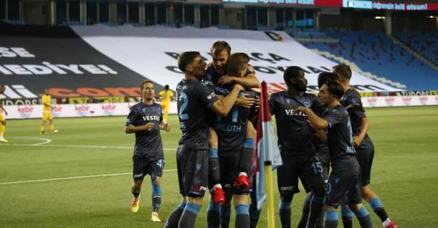 Trabzonspor'a Büyük Şok! İki Yıldız G.Saray Maçında Yok