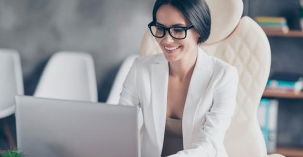 Çalışan Kadınlar Cilt Bakımını Nasıl Yapmalı?