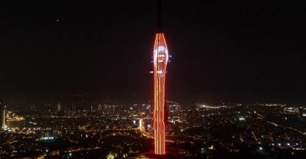 Çamlıca Kulesi'nde 29 Ekim'e Özel Gösteri Yapıldı