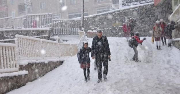 Çanakkale'de Eğitime Kar Engeli!