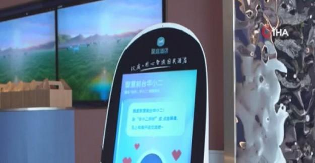 Çin'de Bir Otelde Salgına Karşı Robotlu Önlem
