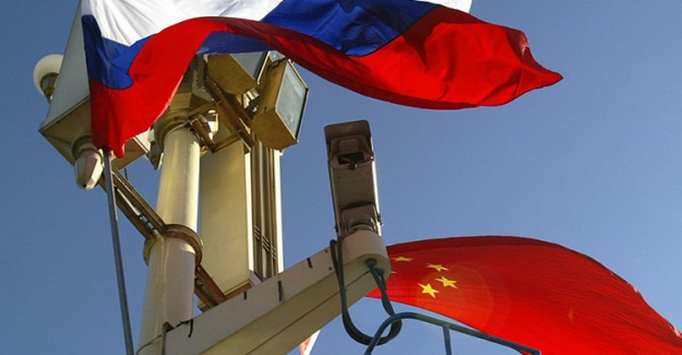 Çinli Bakan Rusya ile Olan Askeri Bağlarını Övdü