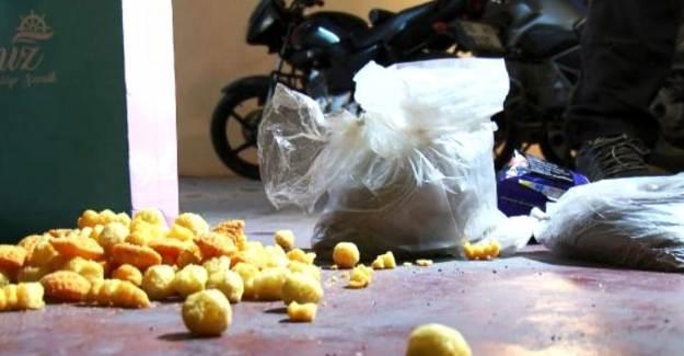 Cips Paketinde Uyuşturucu Sevkiyatı Yaparken Yakalandılar