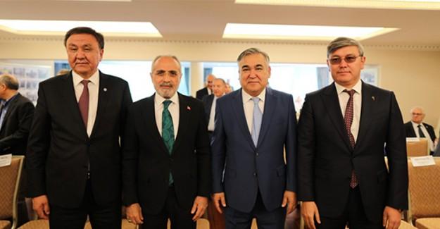 Cumhurbaşkanı Başdanışmanı Topçu, Türk İşbirliğinin Mimarı Kitabının Tanıtımında Yerini Aldı