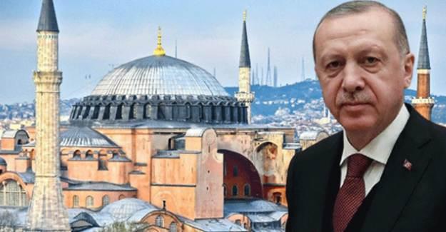 Cumhurbaşkanı Erdoğan'dan Ayasofya'ya Özel Hat Levhası Hediyesi