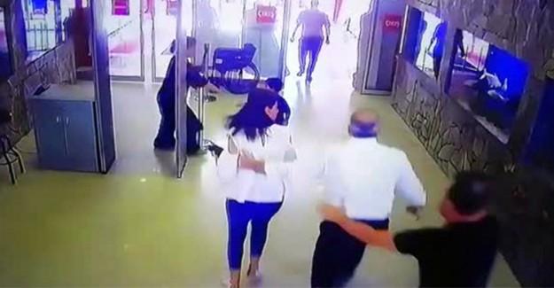 Depreme AVM'de Yakalananların Kaçışı Görüntülendi