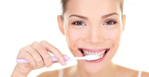 Diş Eti Hastalıklarının Başlıca Nedenleri!