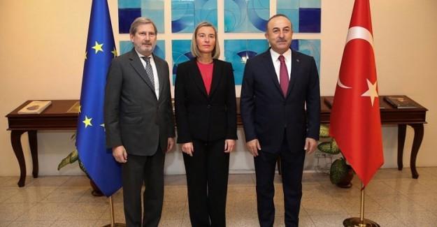 Dışişleri Bakanı Mevlüt Çavuşoğlu'ndan AB'ye: İkiyüzlüsünüz!