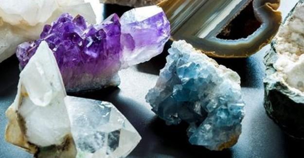 Doğal ve Kristal Taşlar Nasıl Temizlenir?