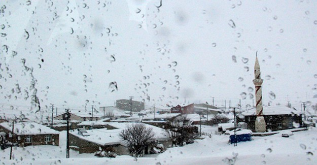 Doğu Karadeniz'de Kuvvetli Rüzgar ve Fırtınaya Dikkat!