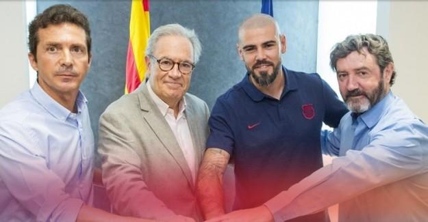 Dünya Yıldızı Kaleci Victor Valdes Barcelona'ya Geri Döndü!