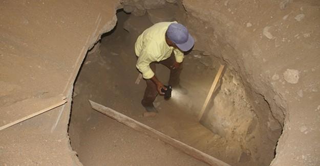 Elazığ'da 300 Yıllık Bir Caminin İçinde Define Aradılar