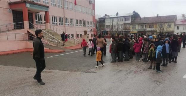 Elazığ'daki Depremin Ardından Eğitime Ara Verildi!