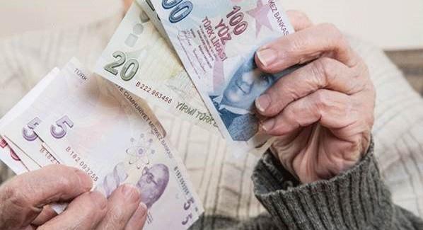Emekliye Temmuzda 900 Lira!