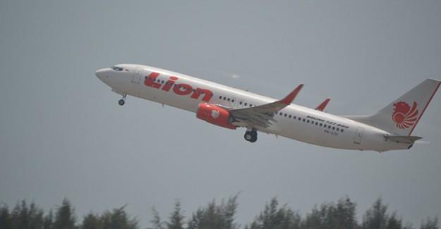 Endonezya'da Düşen Uçağın Gövdesi Bulundu
