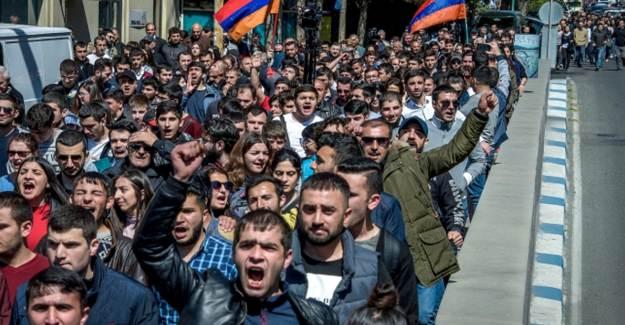 Ermenistan'da Ekonomi, SOS, Veriyor!