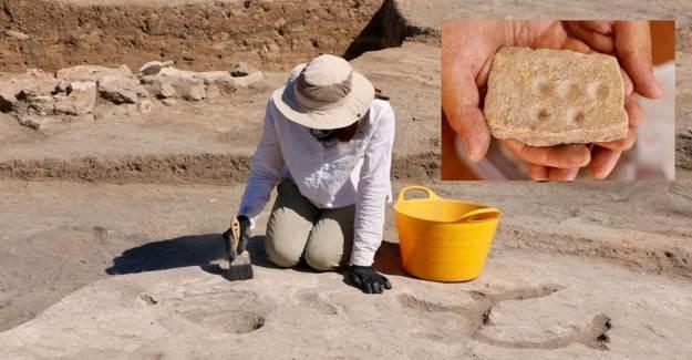 Eskişehir Küllüoba Kazısında 5 Bin Yıllık Boya Paleti Keşfedildi