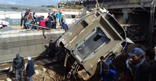 Fas'ta Gerçekleşen Trafik Kazası Sonucunda 12 Çinli Turist Yaralandı