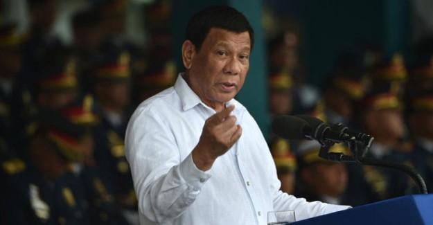 Filipinler Devlet Başkanı'ndan Kadınlar Hakkında Çirkin Sözler!