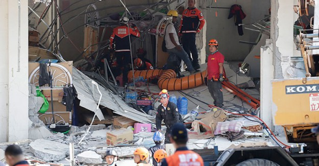 Filipinler'deki Depremde Yaşamını Yitirenlerin Sayısı 11'e Yükseldi