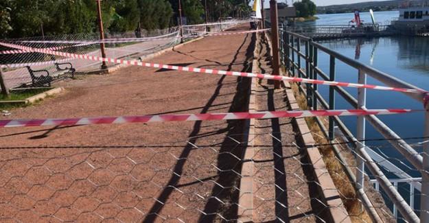 Fırat Nehri'nde Su Seviyesi Yükseldi, Kıyıda Çökmeler Yaşandı