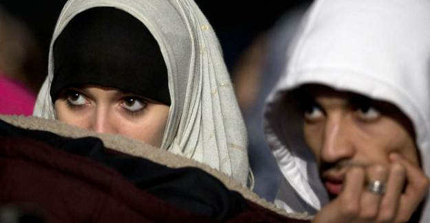 Fransa Radikal İslama Karşı Atakta