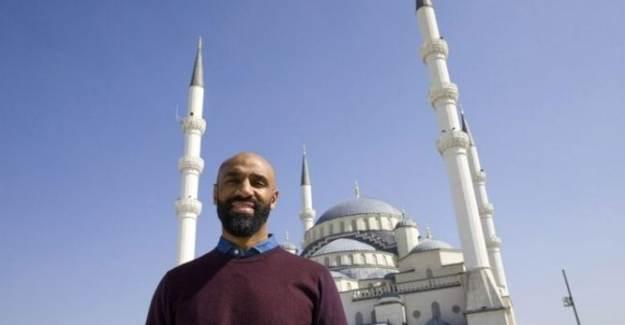 Frederic Kanoute Cami Yaptırmak İçin 1 Milyon Dolar Bağış Topladı