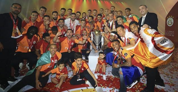 Şampiyon Galatasaray Kupasına Böyle Kavuştu!