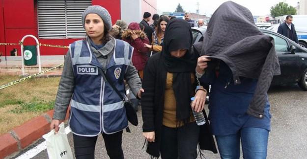 Gaziantep'te Evlilik Vaadiyle Dolandırıcılık Yapan 25 Kişi Gözaltına Alındı