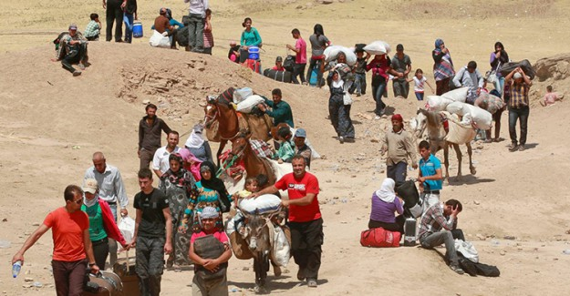 Göç Başladı! Türkiye Sınırına Akın Ettiler