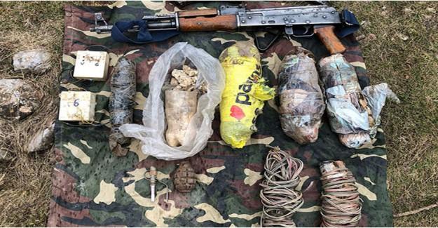 Hakkari'de PKK'ya Ait 8 Sığınakta Silah ve Mühimmat Ele Geçirildi