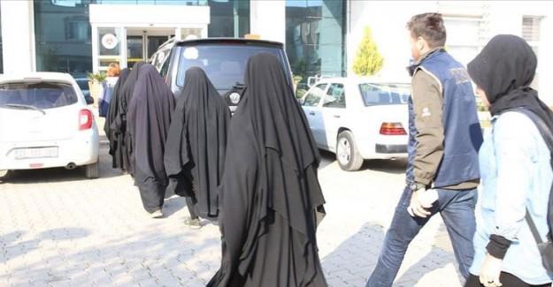 Hatay'da 5 DEAŞ'lı Kadın Terörist Teslim Oldu