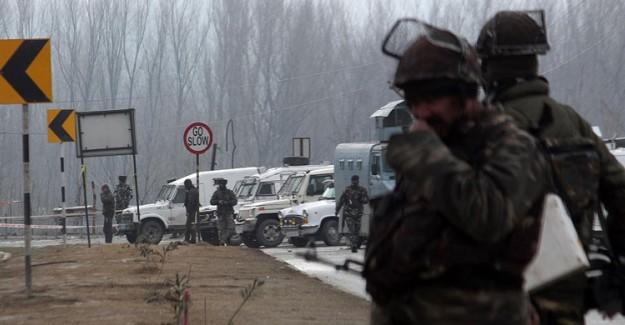 Hindistan, Pakistan'a Ait Bir Savaş Uçağını Düşürdüğünü Açıkladı