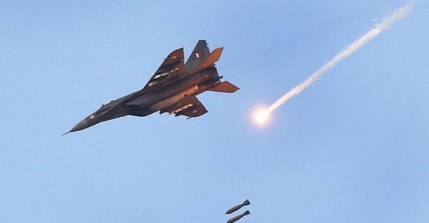 Hindistan Pakistan'a Hava Saldırısı Düzenledi, 300 Ölü