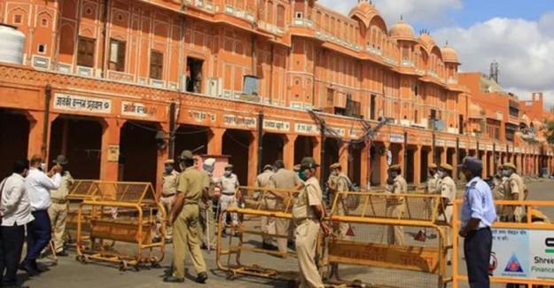 Hindistan'da 40 Bin Kişi Karantinaya Alındı