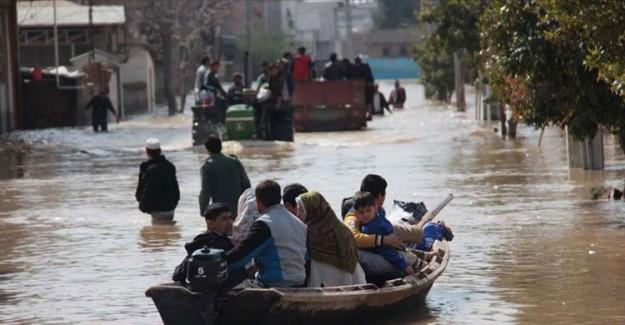 Hindistan'da Aşırı Yağışlar Yüzünden 6 Kişi Öldü