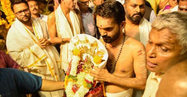 Hindistan'da Tapınak Kavgası, 2.200 Kişi Tutuklandı