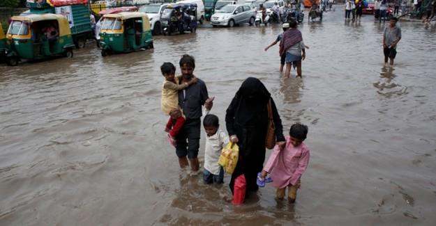 Hindistan'daki Aşırı Yağışlar 66 Can Aldı