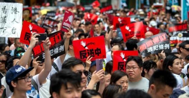 Hong Kong'da Protestolara Neden Olan Tasarı Geri Çekiliyor