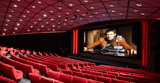 Hong Kong'da Sinema Salonları Açılıyor
