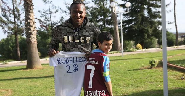 Hugo Rodallega, Minik Hayranıyla Buluştu!