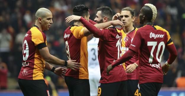 İki Oyuncu Galatasaray'ı FIFA'ya Şikâyet Etti!